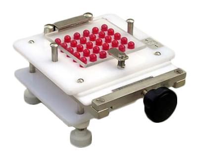 Strojek na plnění 30 ks tobolek, velikost 0