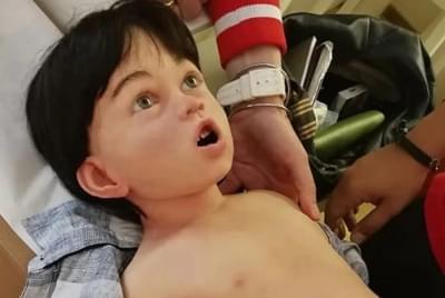 Dítě s vlasy - Realistická figurína
