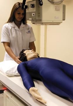 AR10A - Figurína pro polohování k radiografickému vyšetření