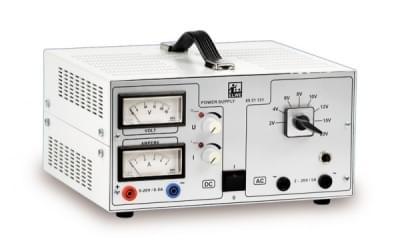 AC / DC Napájecí zdroj 0 – 20 V, 5 A (230 V, 50 / 60 Hz)