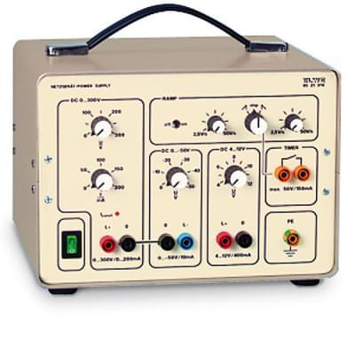 Napájecí zdroj 0 – 300 V (230 V, 50 / 60 Hz)