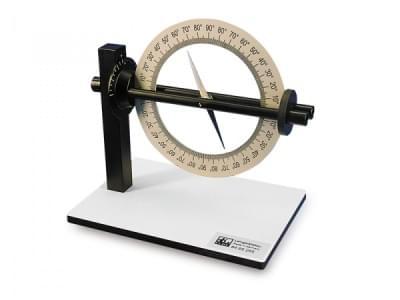 Přístroj k měření nachýlení a odchylky