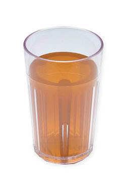 Jablečný džus v malé sklenici