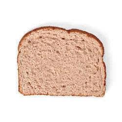 Krajíc celozrnného chleba