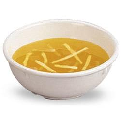 Kuřecí nudlová polévka v misce