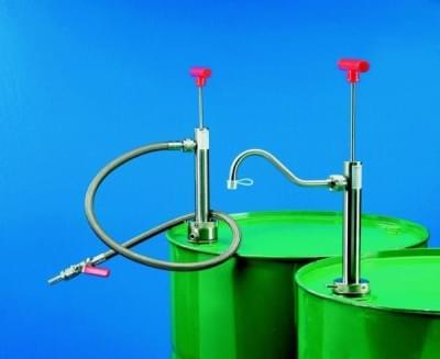 Čerpadlo sudové z nerezi pro hoř. látky, pevná výp. hadice, délka ponor. trubky 360 mm
