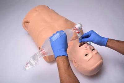HAL® Trenažér pro KPR, zajištění dýchacích cest a se zvuky srdce a plic - dospělý