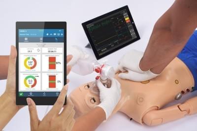 S300.105.250.PK.L - Code Blue® III pediatrický simulátor pro nácvik rozšířené resuscitace s OMNI® 2
