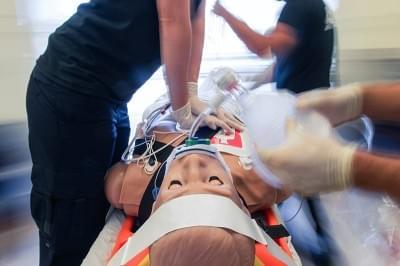 HAL simulátor pro akutní péči a pro rozšířenou resuscitaci