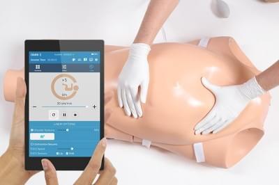 S552 - NOELLE mateřský a novorozenecký simulátor
