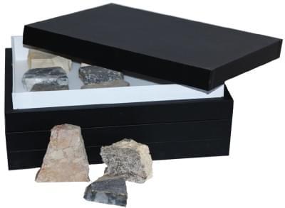 Sbírka hornin - (2 krabice)
