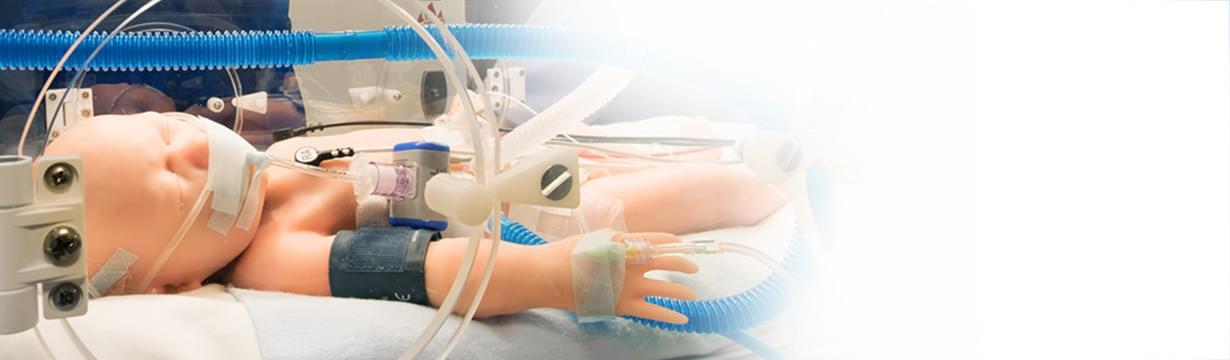 Super Tory je první simulátor novorozence vyvinutý tak, aby splňoval výzvy odborné přípravy neonatální péče vreálném prostředí. Aktivní pohyb, skutečná podpora ventilátoru, skutečná kontrola pacienta ... Simulátor je připraven pro komunikaci sOMNI 2.
